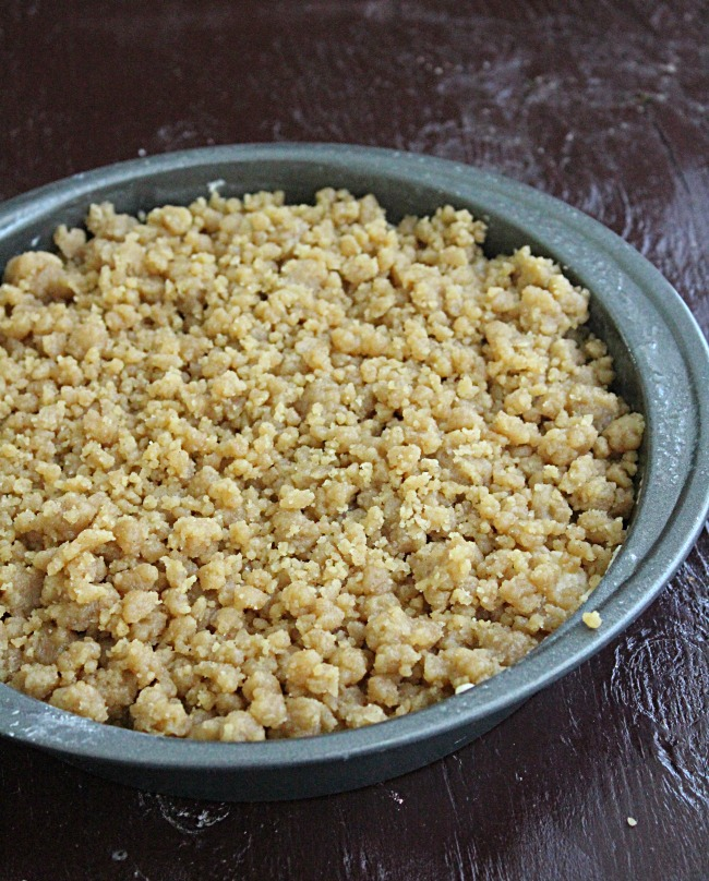Cinnamon Crumb Coffee Cake   Big Green House #coffeecake #breakfasat #brunch #cinnamon #crumbcake
