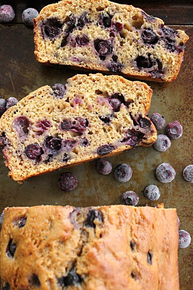 Brown Sugar Blueberry Quick Bread   Big Green House #blueberry #blueberries #quickbread #brownsugar