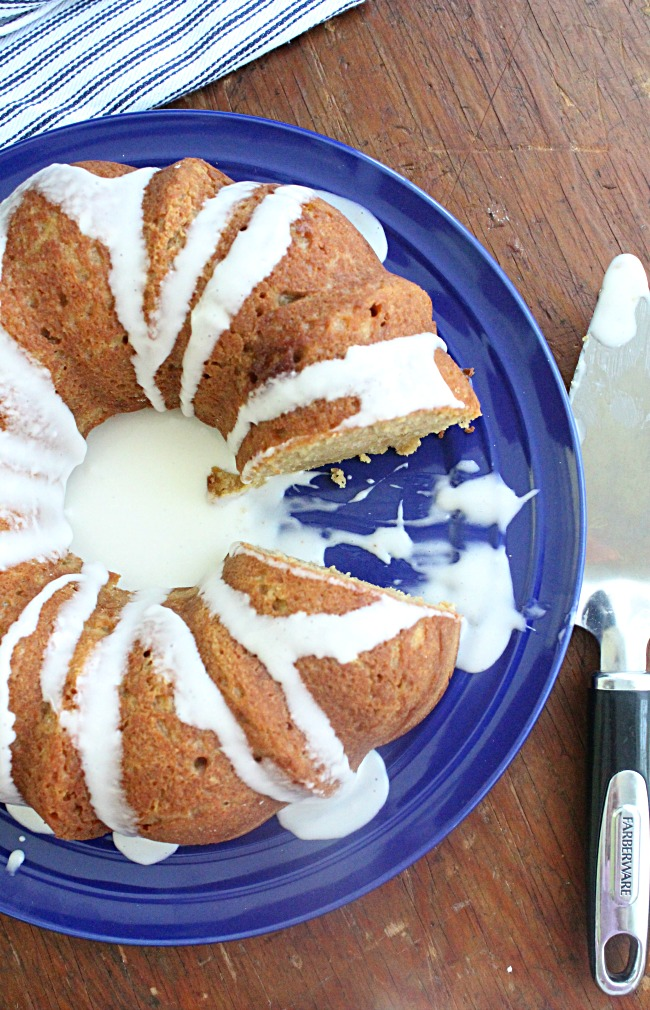 Creme Fraiche Bundt Cake with Creme Fraiche Icing: Big Green House #cremefraiche #cake #icing #bundtcake