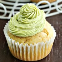 Buttermilk Cupcakes with Matcha Frosting | Big Green House #cupcakes #matcha #frosting #buttermilk #dessert