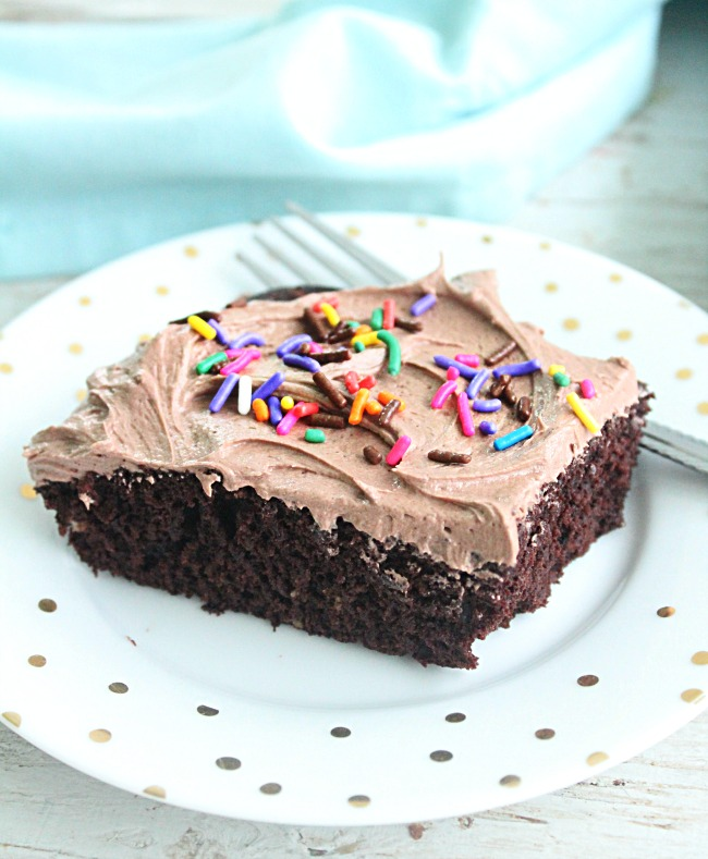 One Bowl Chocolate Sheet Cake with Sweetened Condesned MIlk Frosting: Big Green HOuse #cake #chocolatecake #sheetcake #sweetenedcondensedmilk