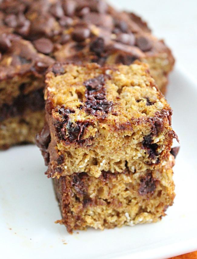 Chocolate Chip Oatmeal Pumpkin Bread - Big Green House #pumpkin #bread #chocolatechip #oats #oatmeal #quickbread