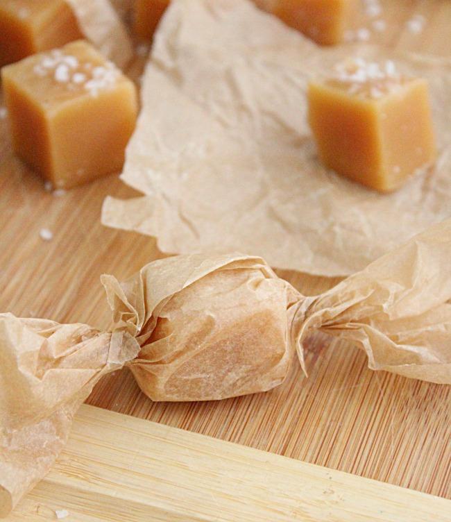 Easy Salted Caramels- Big Green House #saltedcaramel #caramel #dessert #homemadecandy