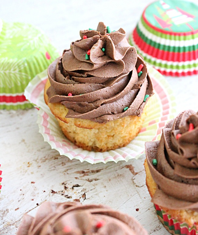 Eggnog Cupcakes with Chocolate Rum Buttercream Frosting- Big Green House #eggnog #cupcakes #dessert #chocolate #buttercreamfrosting #rum