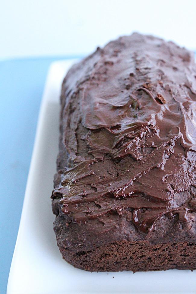 Chocolate Banana Bread with Dark Chocolate Glaze- Big Green House #banana #bread #chocolate #darkchocolate #norefinedsugar