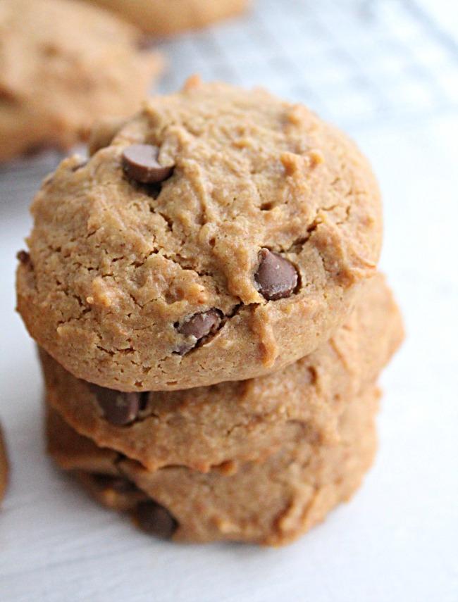 Peanut Butter Cookies- No Refined Sugar Big Green House #cookies #peanutbutter #dessert #honey #norefinedsugar
