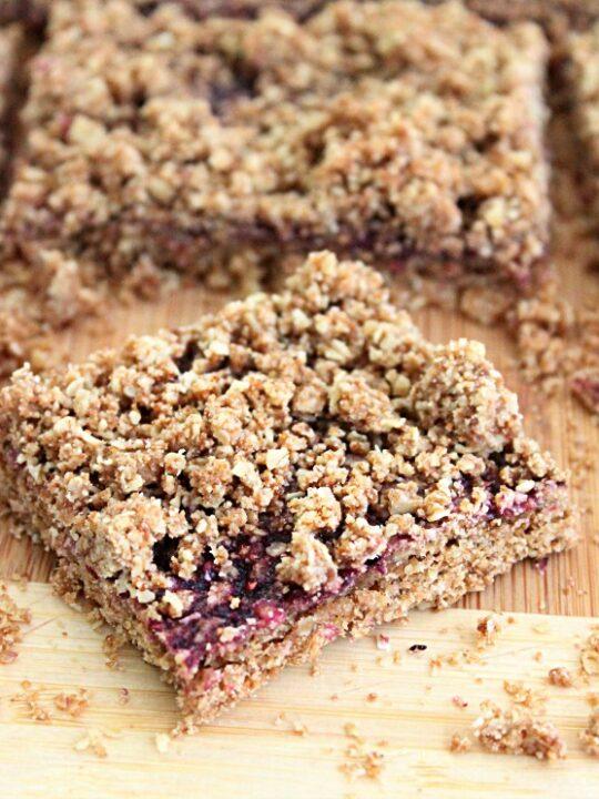 Oatmeal Jam Bars: Big Green House #oatmeal #jam #bars #norefinedsugar