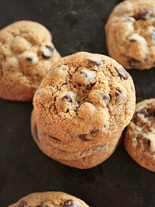 Whole Wheat Dark Chocolate Chip Cookies- No Refined Sugar- Big Green House #biggreenhouseblog #cookies #wholewheat #darkchocolate #chocolatechipcookies #norefinedsugar
