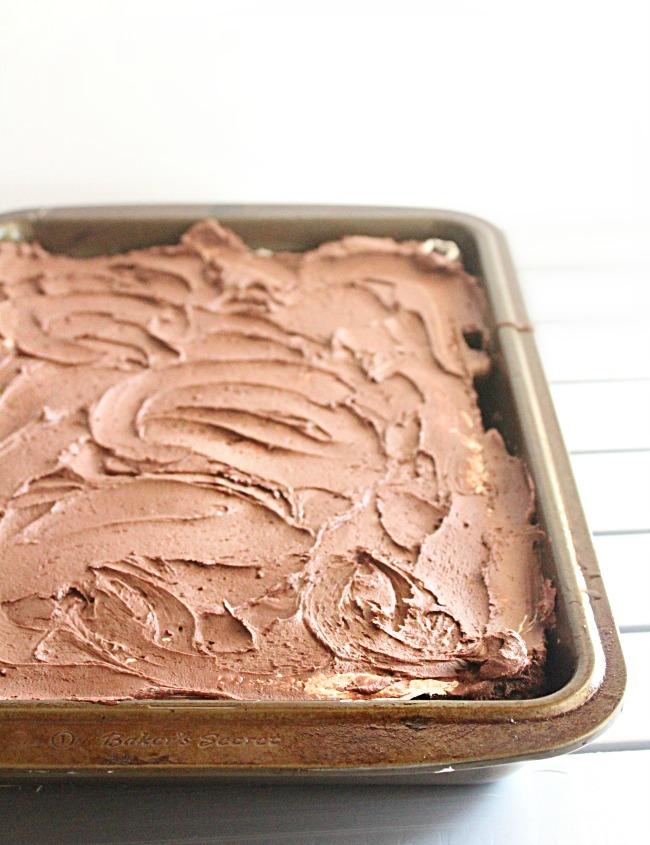 Marshmallow Fluff Chocolate Cake- Big Green House #cake #chocolatecake #marshmallowfluff #dessert