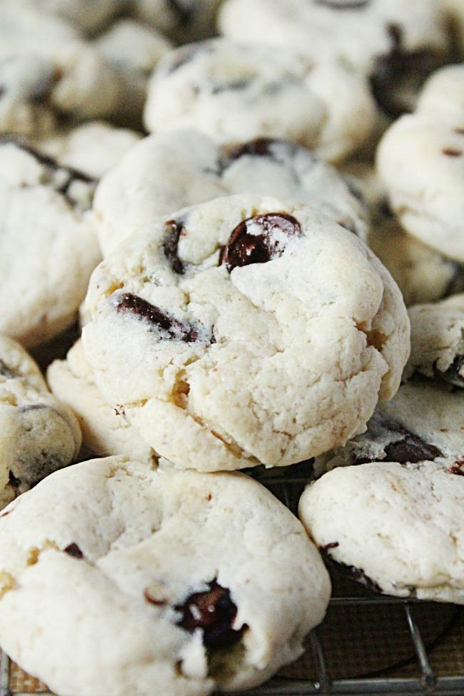 Cream Cheese Chocolate Chip Cookies Eggless- Big Green House #chocolatechipcookies #creamcheese #dessert #eggless #biggreenhouseblog