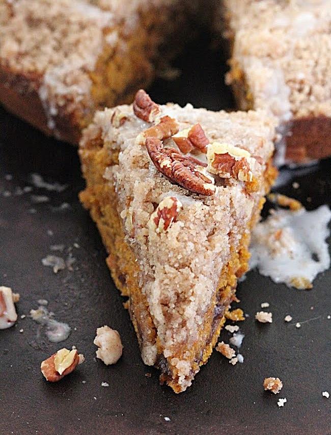 Pumpkin Coffee Cake- Big Green House #pumpkin #coffeecake #baking #biggreenhouseblog