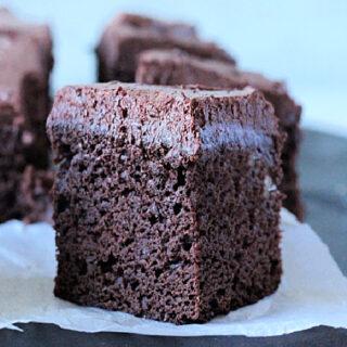 Sour Cream Brownies- Big Green House #dessert #biggreenhouseblog #sourcream #brownies #chocolate #frosting