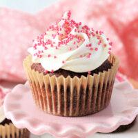 Pink Velvet Cupcakes with Cream Cheese Frosting- Big Green House #biggreenhouseblog #cupcakes #pinkvelvet #baking