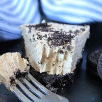 Peanut Butter Oreo Pie- Big Green House #biggreenhouseblog #peanutbutter #oreocookies #pie #nobake #dessert #nobakepie