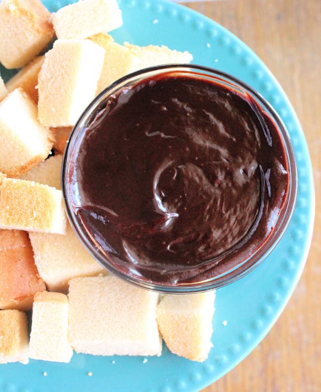 Three Ingredient Chocolate Dip- Big Green House #biggreenhouseblog #chocolatedip #nobakedessert #threeingredients