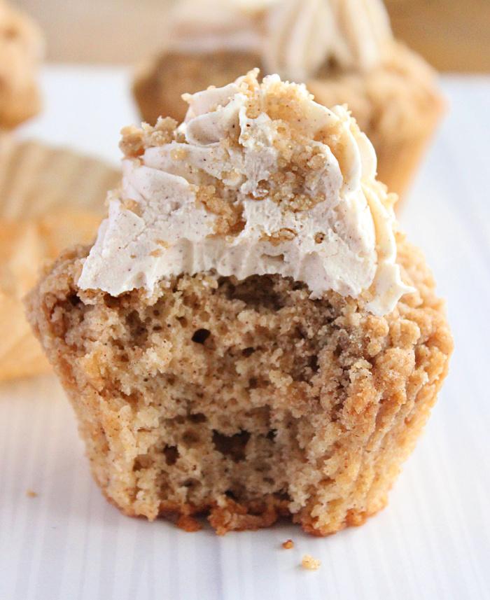 Cinnamon Streusel Cupcakes- Big Green House